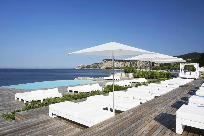 Beach Club (c)Jonathan Ricciolini