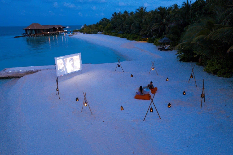 Ozen Reserve Bolifushi Malediven Kino unter Sternen